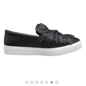 Bamboo Black Sneakers